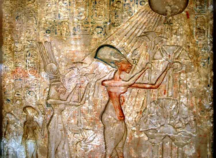 stela of akhenaten and nefertiti