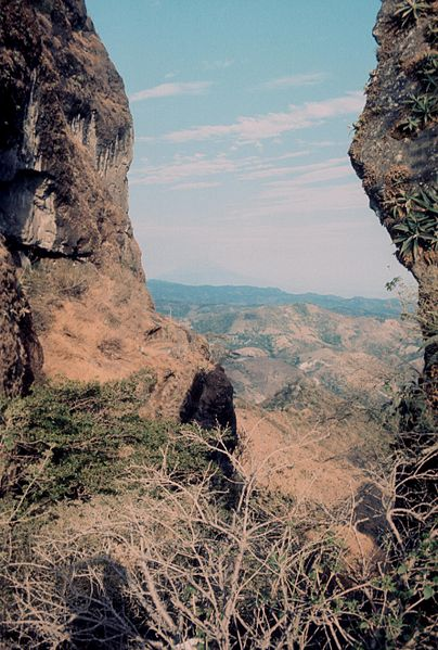 El Salvador, Puerto del Diablo, a place for executions in 1982