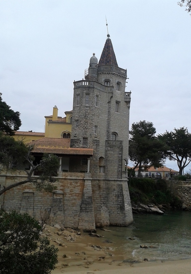 cascais-folly